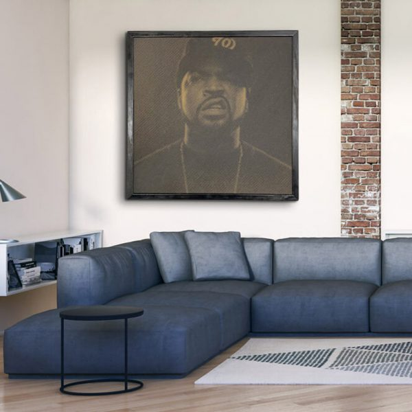 Prachtige foto van Ice Cube in hout gefreesd